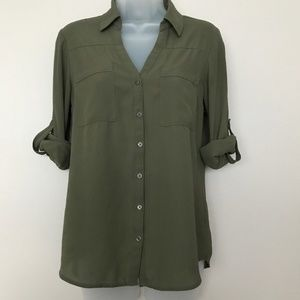 Express The Portfolio Shirt in Army Green - S